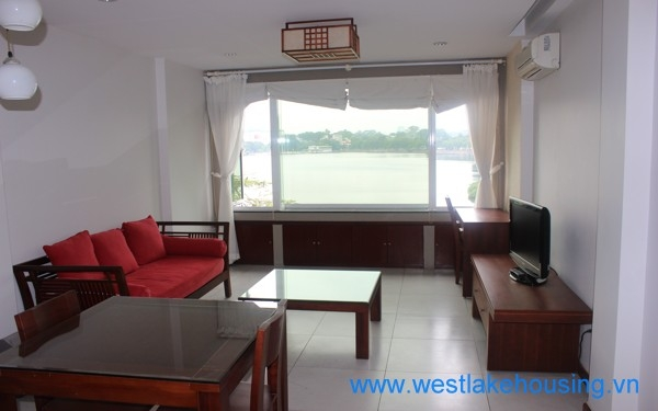 Lake view, apartment for ren in Truc bach area.