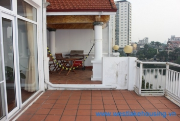 03 bedroom apartment for rent in Truc Bach area, Ba Dinh District