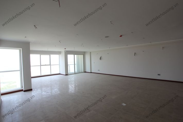 Big size and nice apartment for rent in Ciputra, Tay Ho, Ha Noi