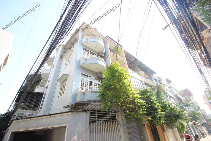 Beautiful house with 4 stories for rent in Dong Da, Ha Noi