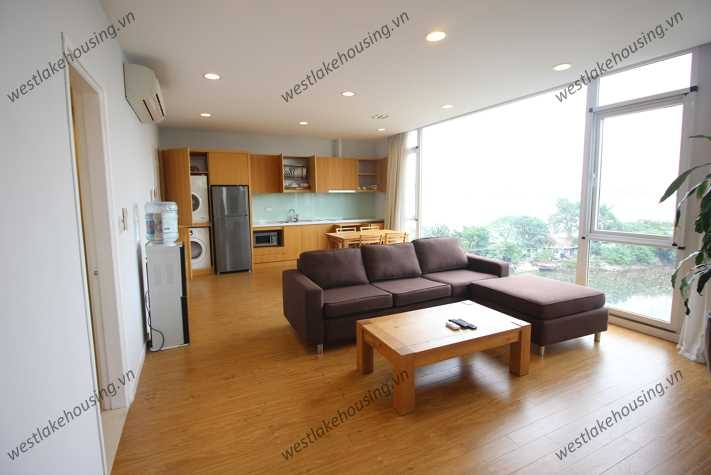 High floor lakeside apartment for rent in Tay Ho, Hanoi