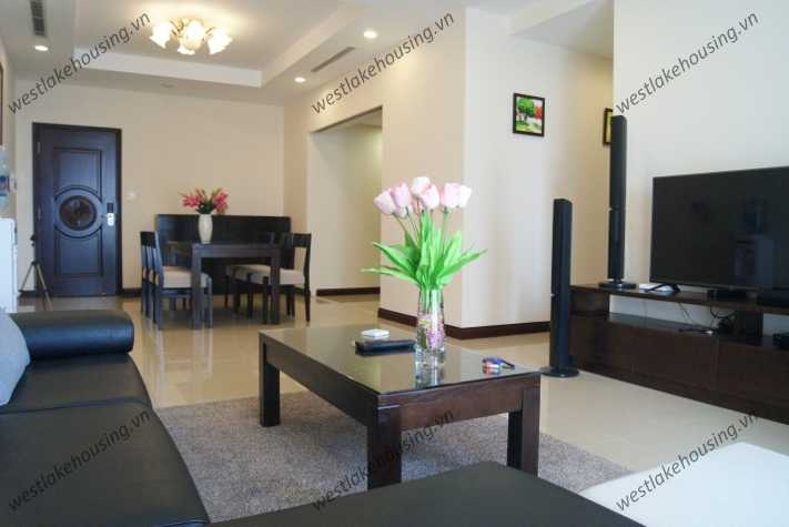 Modern, high floor apartment with 2 bedrooms for rent in Royal City, Hanoi