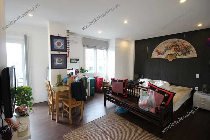 A nice studio for rent in Tay Ho, Ha Noi