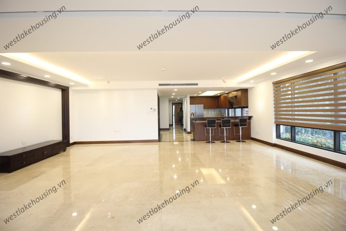 Super large and modern apartment with 3 bedrooms for rent in Tay Ho, Hanoi