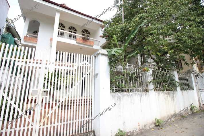 A cheap house for rent in Tay Ho, Ha Noi