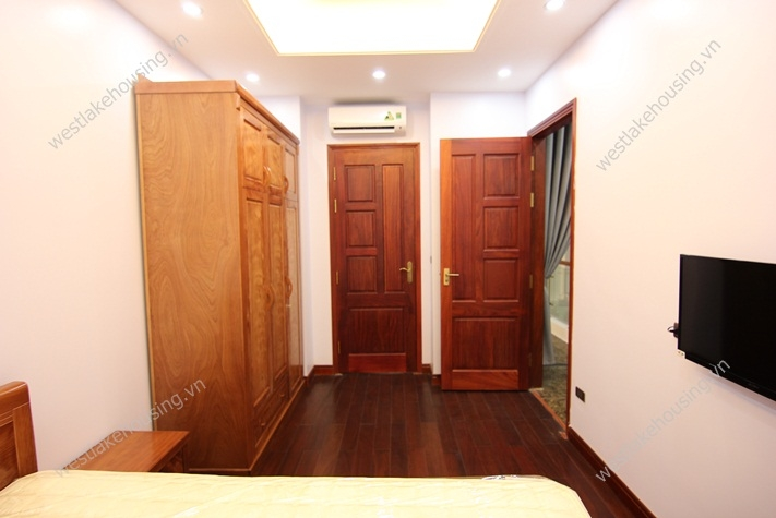 New and bright apartment for rent in Yen Phu-Tay Ho-Ha Noi