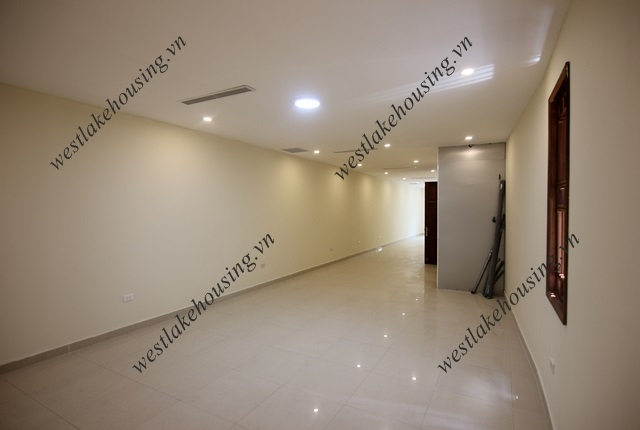 Nice and big office for rent in Tay Ho district