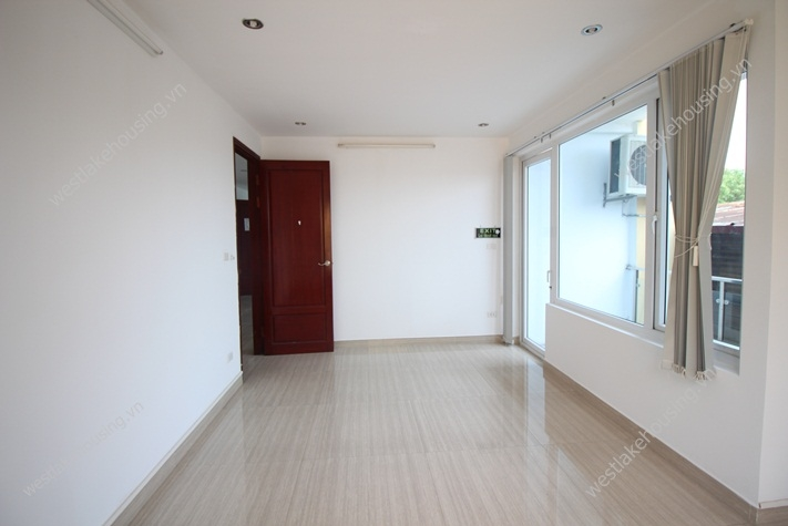 Nice office with private rooms for rent in Tay Ho