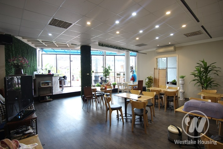 Nice place for office or restaurant for rent in Xuan Dieu st, Tay Ho district