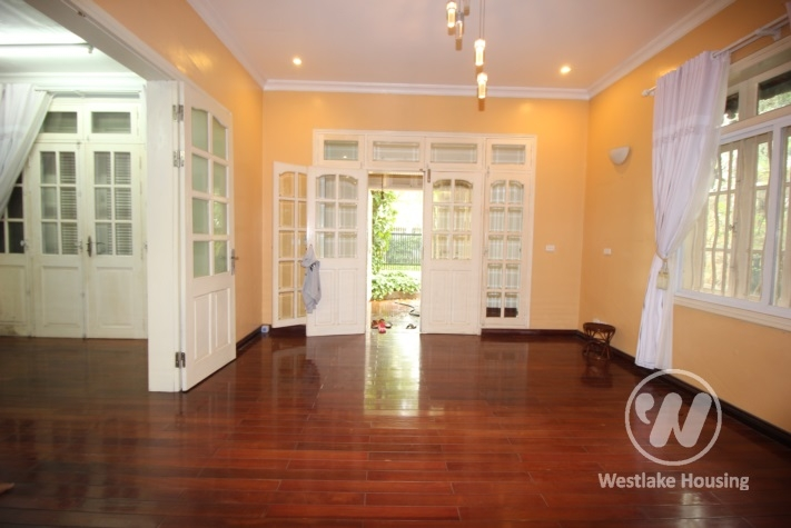 Beautiful 5 bedrooms house for rent in CIputra Compound