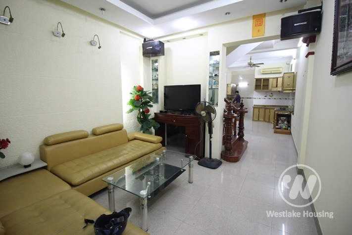 Cheap and nice four bedrooms for rent in Cau Giay Area
