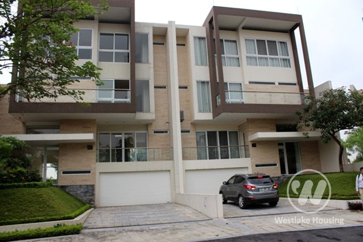 Stunning house with big yard for rent in Ciputra