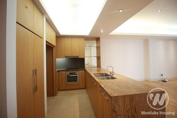 Spacious apartment for rent in Indochina Plaza, Cau Giay District.