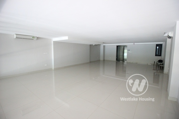 An office for rent at Xuan Dieu street, Tay Ho district, Ha Noi