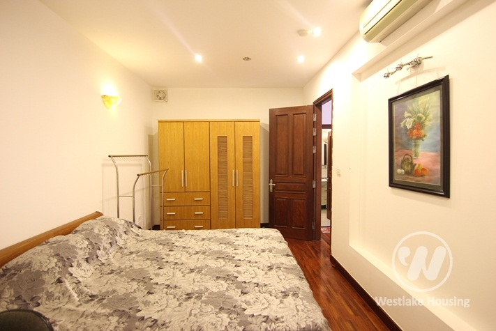 Spacious lakeside apartment for rent in Truc Bach, Ba Dinh, Hanoi