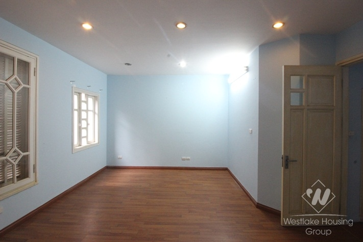 Large Office / House for lease in Ba Dinh district.