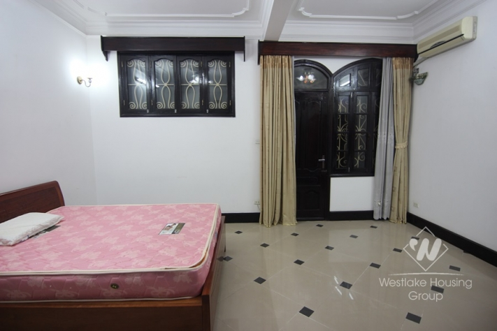 Two bedrooms apartment with cheap price for rent in Hai Ba Trung