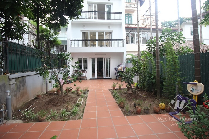 Amazing house with 04 bedrooms for rent in Tay Ho district