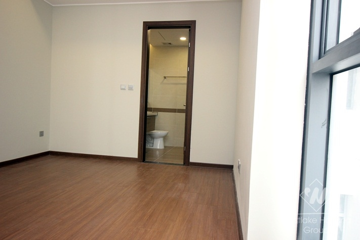 A 2 bedroom apartment for rent in Trang An Complex