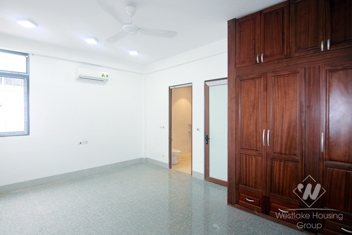 A newly 4 bedroom house for rent in Tay Ho, Ha Noi