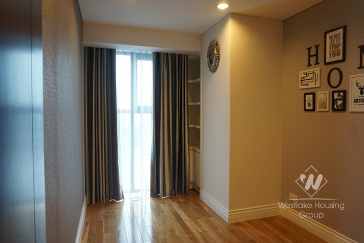 Elegant high rise apartment for rent in Hai Ba Trung district, Hanoi