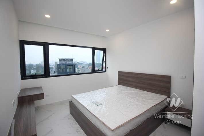 Lake view 02 bedrooms apartment for rent in Xuan disut st, Tay Ho district
