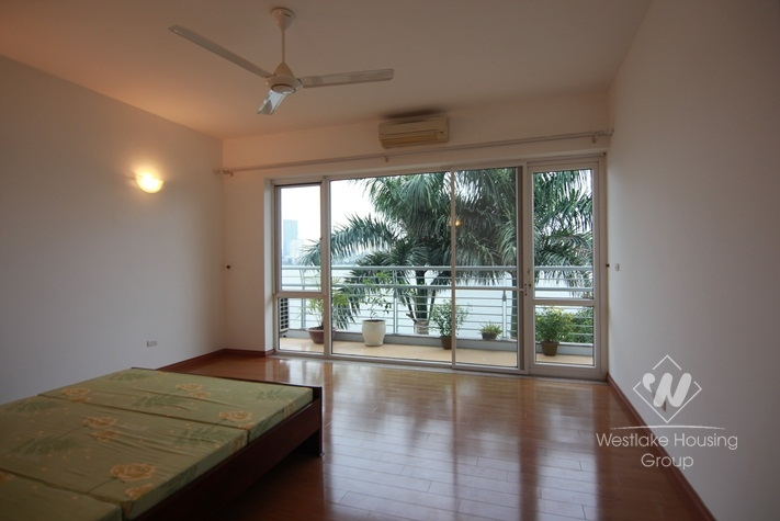 Lake view modern house for rent in Tay Ho, Ha Noi