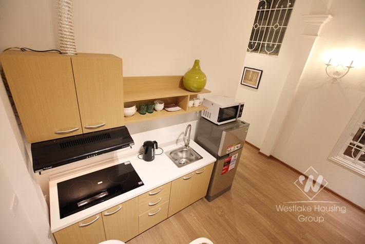 Good quality apartment for rent Dang Thai Mai st, Tay Ho district