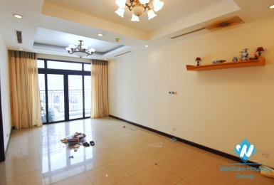 A nice  apartment with big balcony for rent on Royal City