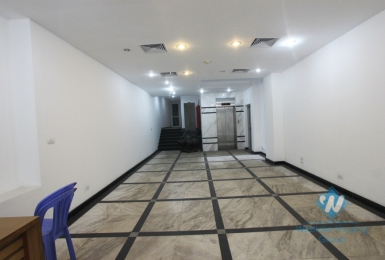 Beautiful office/ shop for rent in Ba Dinh District, Hanoi