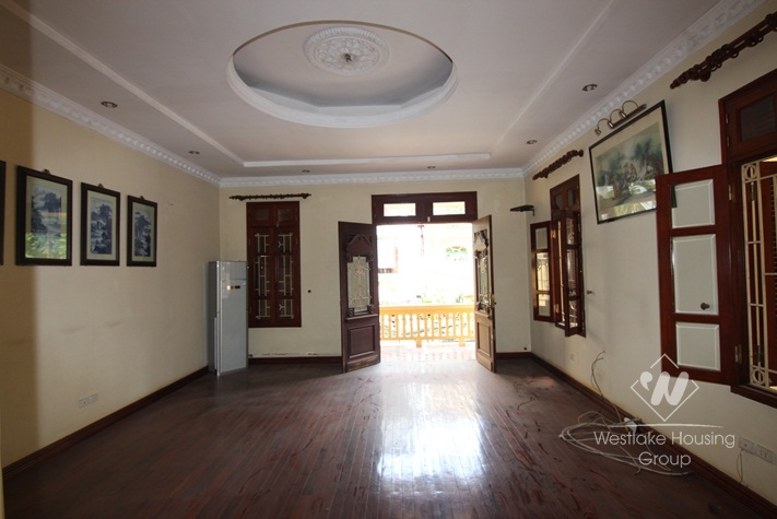 Cheap house for rent in the heart of Tay Ho over 400 sqm usage area