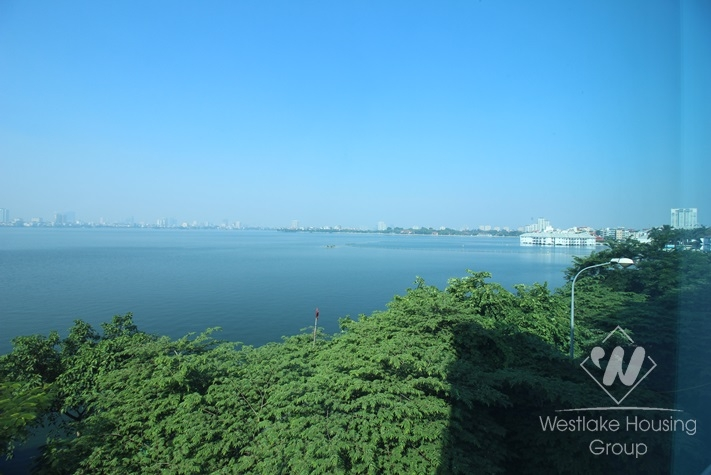 Lovely apartment for rent on westlake side with stunning lake view