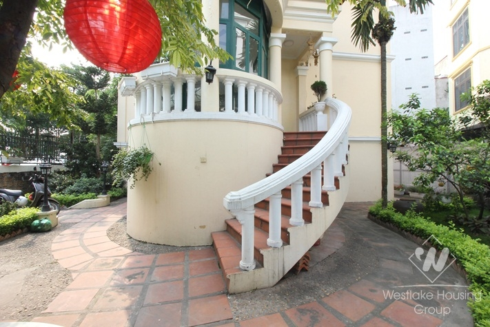 Charming villa for rent on the lakeside with lovely garden in Tay Ho, Hanoi