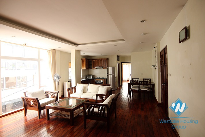 Cosy 02 bedroom apartment for rent in Truc Bach area, Ba Dinh, Hanoi