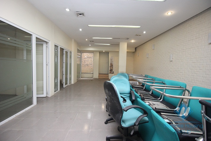 Office with 165sqm for rent in Hoan Kiem, Ha Noi