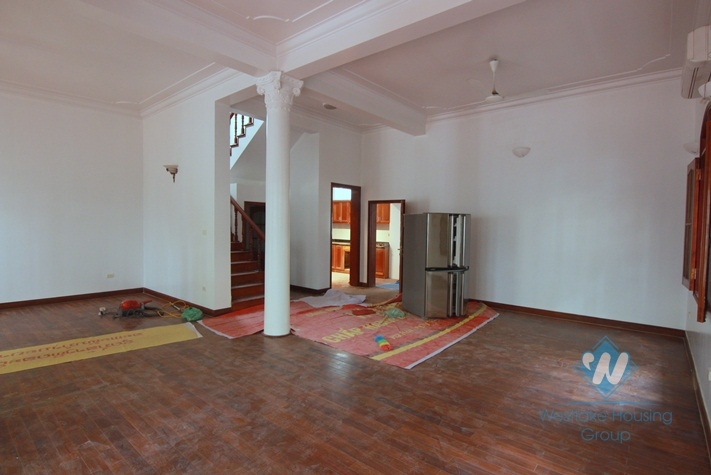 Unfurnished house with large yard for rent in Tay Ho district, Hanoi.