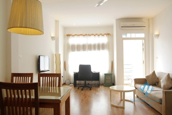 Spacious one bed apartment for rent on Dao Tan Ba Dinh Hanoi