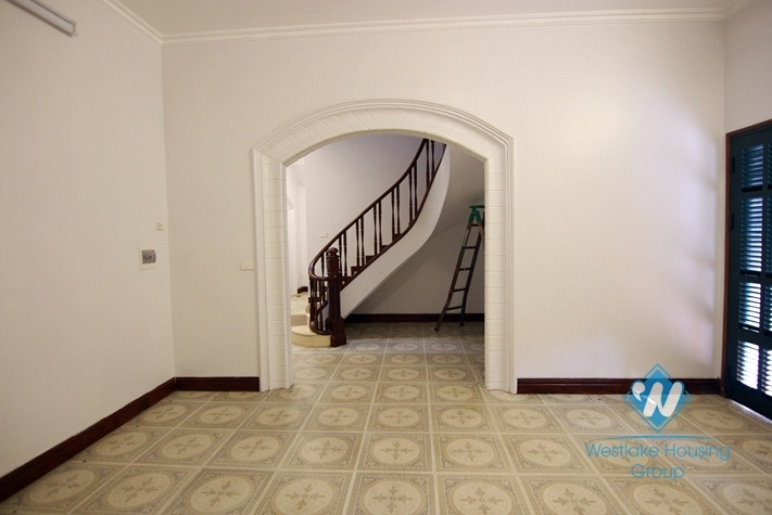 Renovated French villa for rent in Tay Ho, high ceiling, lots of outside space