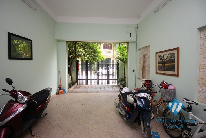 06 bedrooms, 06 bathrooms house for rent in Cau Giay district