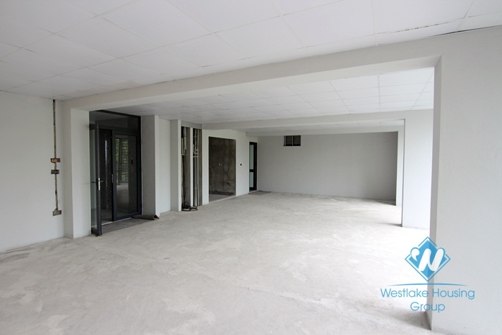 100sqm office for rent in Hoang Quoc Viet