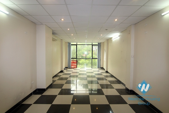 80 sqm office for lease in Cau Giay