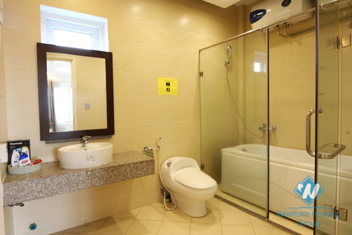 Good quality one bedroom apartment in Ba Dinh area