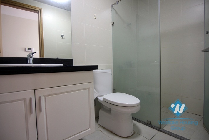 A spacious 3 bedroom apartment for lease in Cau Giay, Ha Noi