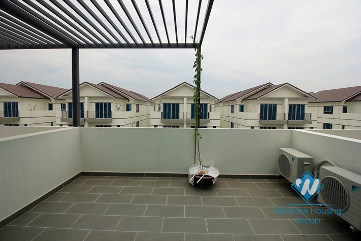 A 4 bedroom house for rent near Thien Duong Bao Son