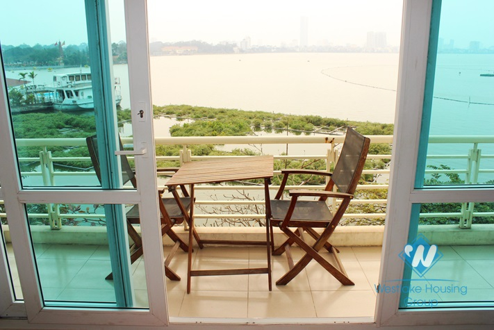 Lake view apartment with 2 bedroom for rent in Yen Phu village