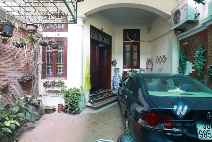 Five bedrooms house for rent in Dong Da district, Hanoi
