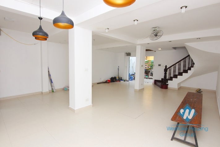 Office or restaurants for rent in Tay ho, Ha noi