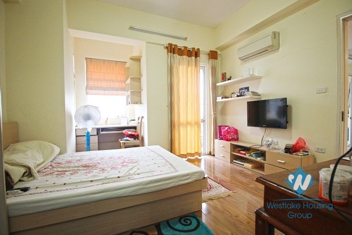 Apartment with suitable price for rent in Lac Long Quan, Tay Ho, Ha Noi