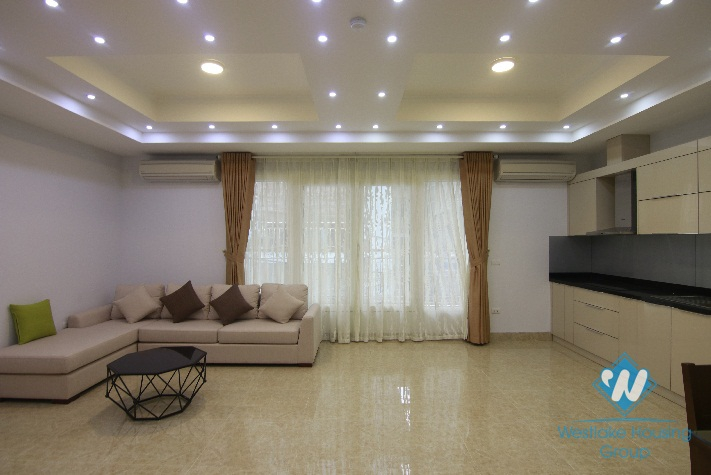 An apartment with 02 bedrooms for rent in Hoan Kiem district