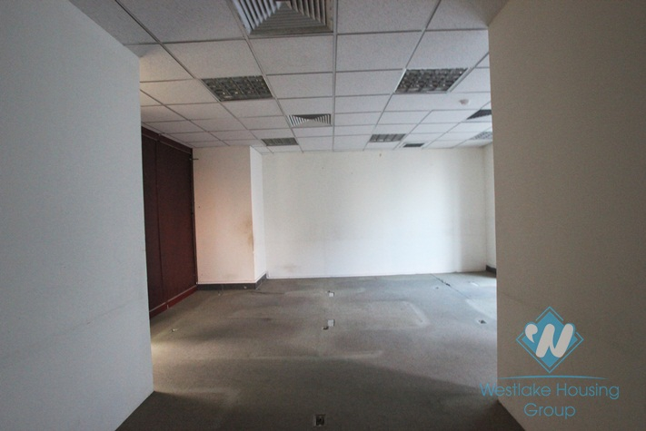 Nice office for rent in Kim Ma, Ba Dinh, Hanoi